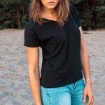 T-shirt BLACK z dekoltem w serek